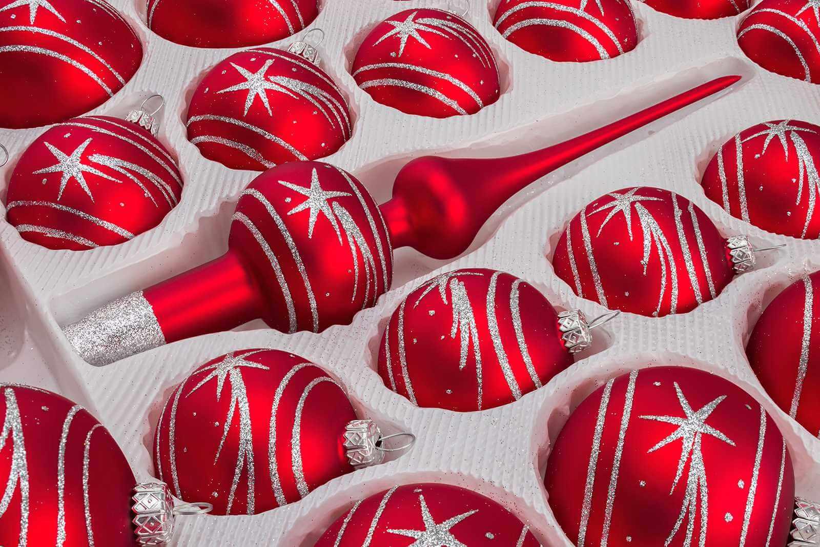 christbaumkugeln und mehr 39 tlg glas weihnachtskugeln set in classic rot silber komet. Black Bedroom Furniture Sets. Home Design Ideas